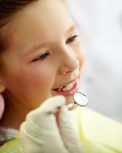 child-visiting-dentist